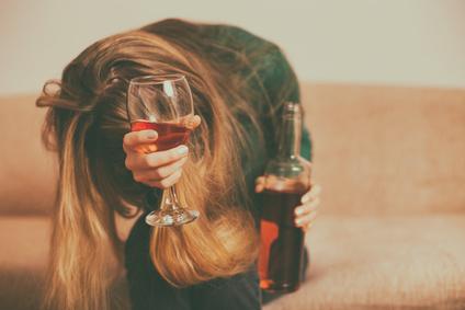 Jaki cel w terapii uzależnienia od alkoholu