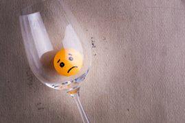 Terapia uzależnienia od alkoholu a mityngi AA