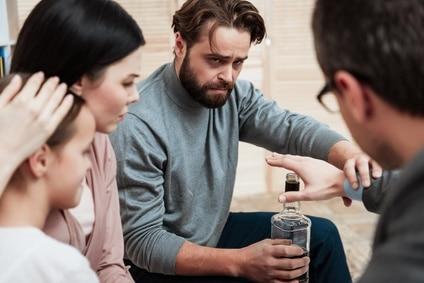 Jak alkoholik manipuluje otoczeniem?