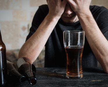przewlekłe spożywanie alkoholu